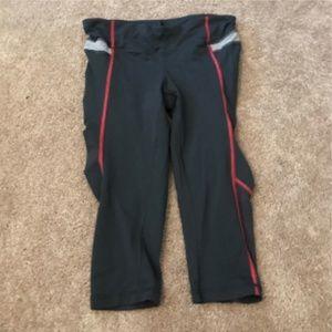 $88 Lululemon mid knee leggings